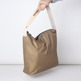 "[줄라이나인]JULY NINE_크로싱 백 카키 Crossing Bag Khaki Regular 18""  (RESTOCK)"